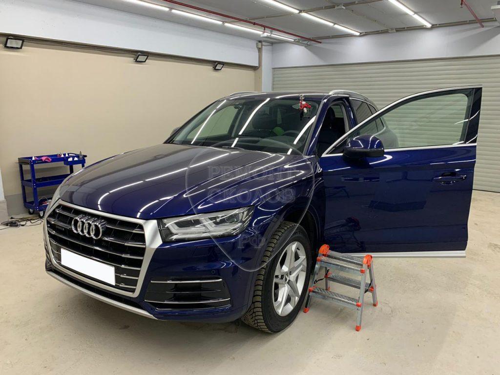 Ремонт скола Audi Q5 в Новых Черемушках