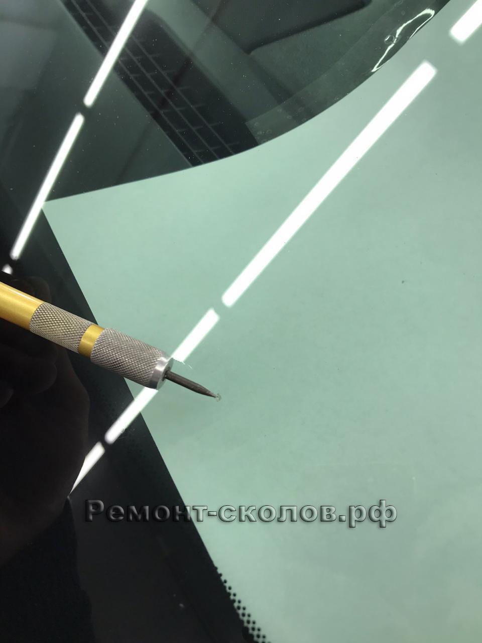 Удаление скола на лобовом стекле Chevrolet Tahoe