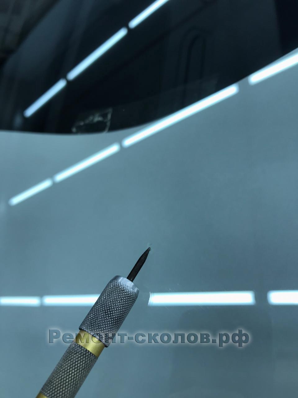 Ремонт скола на стекле Subaru Forester